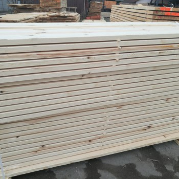 drewno konstrukcyjne, strugane